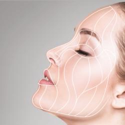 Les gestes associés au lifting cervico-facial dans le rajeunissement du visage