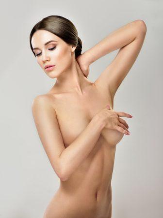 Remodelage du corps non invasif assisté par laser et raffermissement de la peau par la combinaison de lasers Nd : YAG et Er: YAG.