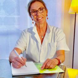 Docteur Isabelle Catoni, une dermatologue esthétique, pionnière du laser, passionnée par la vie cellulaire.
